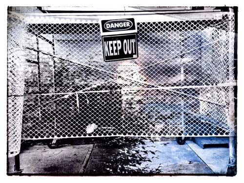 Digital bw 01 keep out